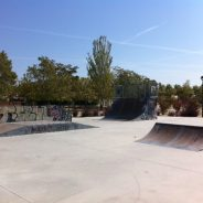 """Parque público infantil con """"skatepark"""" en Villanueva de la Cañada"""
