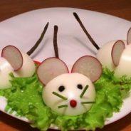 """Presentaciones originales de comida para niños: """"Ratones de huevo duro"""""""